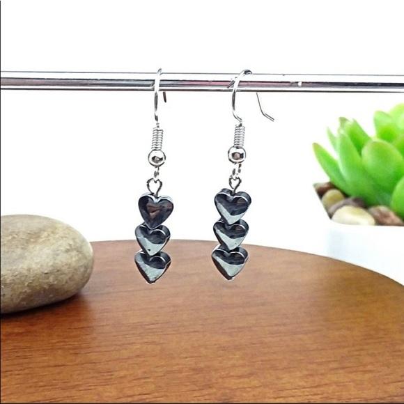 Harriet Ave Jewels Jewelry - NEW!🔥 Black Hematite Heart Bead Silver Earrings